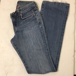 Lucky Brand faded jean. Size 2/26